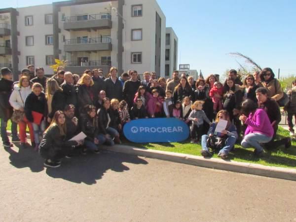 Procrear entregó nuevas viviendas en Tigre