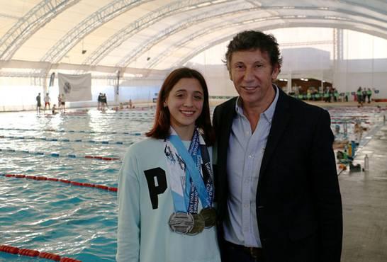 San Isidro recibió a la campeona mundial de natación Delfina Pignatiello