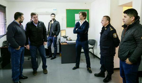 Montenegro y Cernadas recorrieron comisarías en Tigre