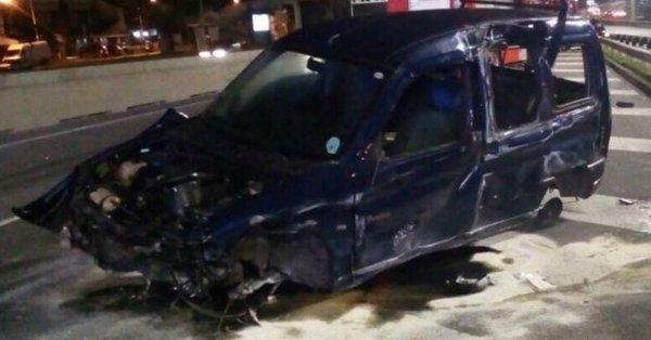 Dos muertos y cinco heridos al chocar un auto que perdió el control en la avenida General Paz