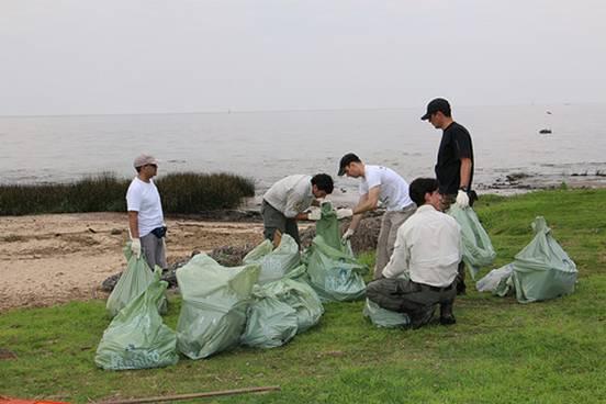 Jornada de limpieza en la costa de San Isidro