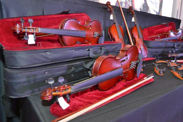 El Municipio de Tigre entregó nuevos instrumentos para sus orquestas infanto juveniles