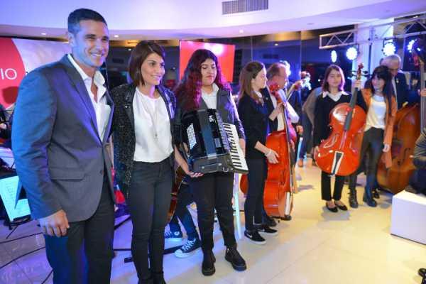 El intendente de Tigre, Julio Zamora, y su esposa, Gisela Zamora, directora ad honorem del programa de Orquestas Infanto Juveniles, conmemoraron el Día de la Industria  junto a la Unión Industrial de Tigre (UIT),
