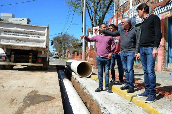 Julio Zamora supervisó una obra que beneficiará a más de 300 familias