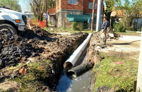 Tigre realiza obras de conductos fluviales en Troncos del Talar