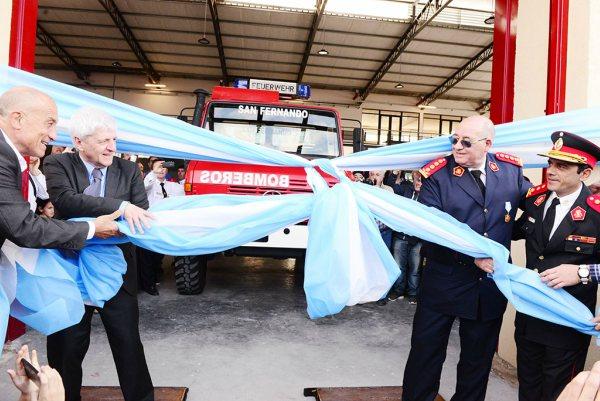 Andreotti inauguró el nuevo Cuartel de Bomberos de San Fernando