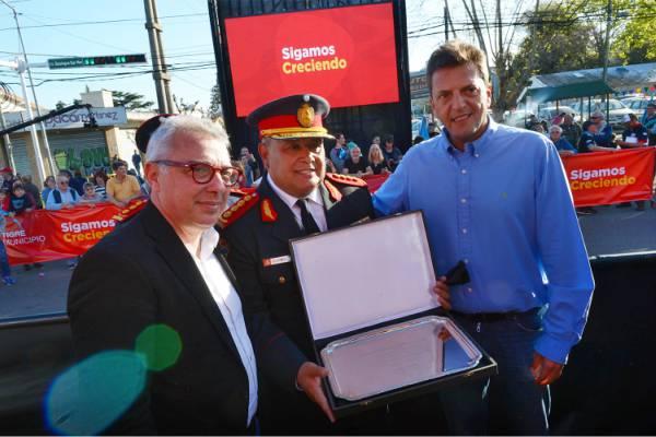 Zamora y Massa compartieron los festejos por el 45° Aniversario de los bomberos voluntarios de Pacheco
