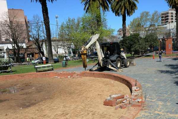 Comenzó la remodelación en la plaza San Martín de Tigre centro