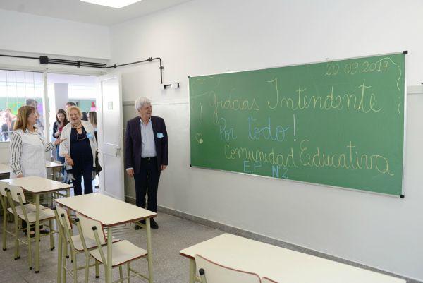 Andreotti inauguró las nuevas aulas de la Escuela N° 2