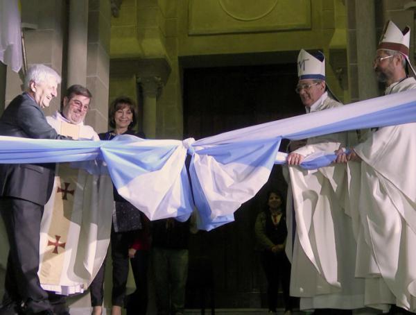 Andreotti inauguró la restauración de la Parroquia Aránzazu