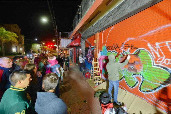 Arte urbano, música en vivo y entretenimiento en el centro de la ciudad con