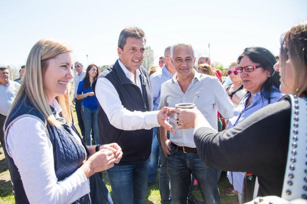 Sergio Massa continua su recorrida por territorio bonaerense