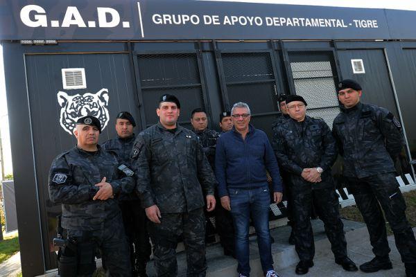 el intendente Julio Zamora inauguró el nuevo Cuartel Central del Grupo de Apoyo Departamental (G.A.D). El mismo funciona en Lisandro de La Torre y Estrada (ex calle Ventura Martínez) en el barrio Bancalari de Don Torcuato.