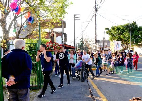 San Fernando acompañó el 50° aniversario de la Parroquia Santa Teresita del Niño Jesús