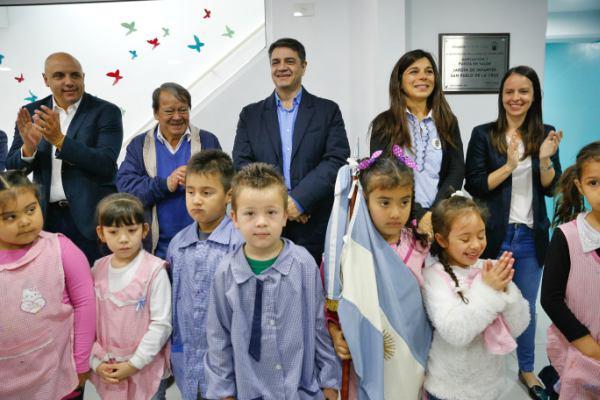 """Jorge Macri y Héctor """"Toty"""" Flores presentaron la puesta en valor del Jardín de Infantes San Pablo de la Cruz"""