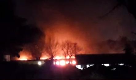 Varios coches ferroviarios de la línea Mitre se incendian cerca de la estación Miguelete