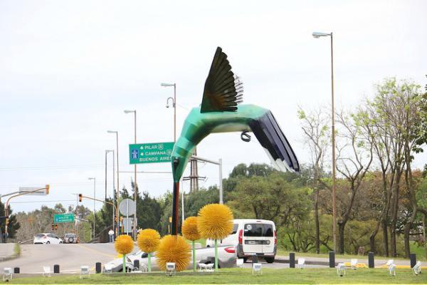 San Isidro inauguró una nueva escultura en Boulogne