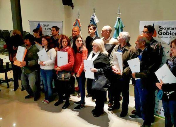 San Fernando entregó a vecinos certificados de Bienes de Familia en forma gratuita