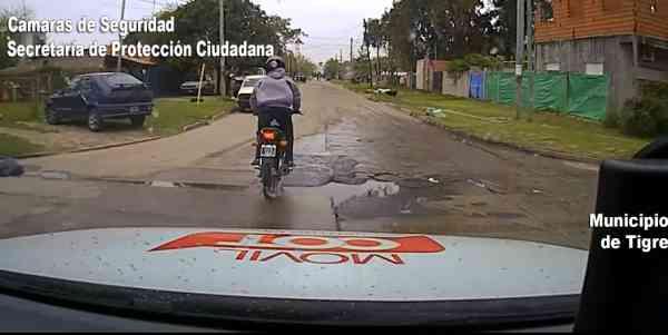 Imágenes de una intensa persecución para atrapar a un motociclista en Tigre