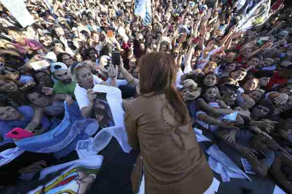 """En Escobar, Cristina Fernández dijo que no quiere """"más listas negras"""" en Argentina"""