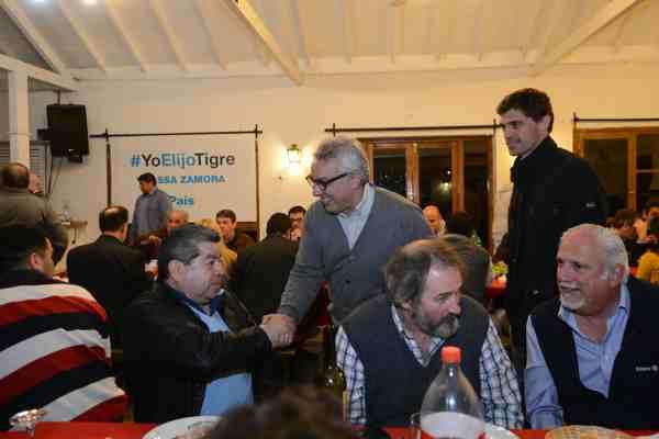 Julio Zamora dialogó con vecinos y comerciantes de Don Torcuato