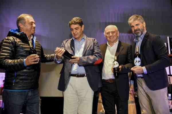 Se realizó en Vicente López un nueva edición de la Subasta Solidaria de Vinos