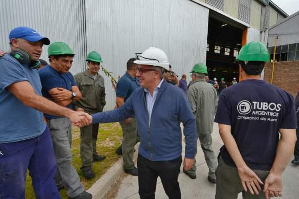 El intendente de Tigre Julio Zamora visitó las instalaciones de la empresa Tubos Argentinos