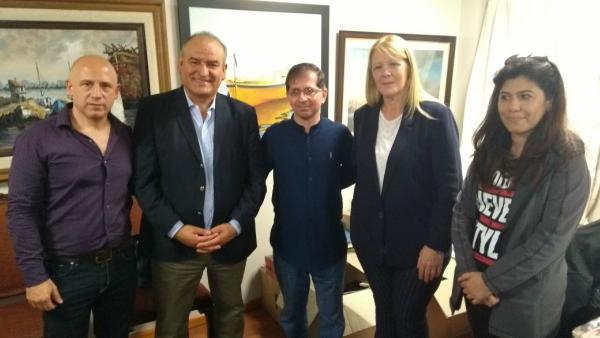 Margarita Stolbizer estuvo junto a los primeros candidatos a concejales de 1Pais Vicente López en una conferencia de prensa en el Sindicato de Trabajadores Municipales de Vicente López.