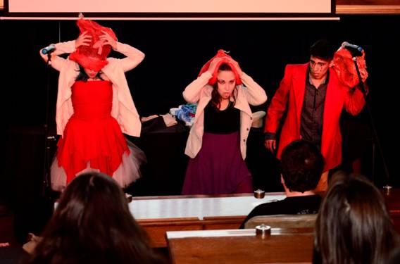 Alumnos de Villa Adelina exhibieron a través del teatro los conflictos humanos