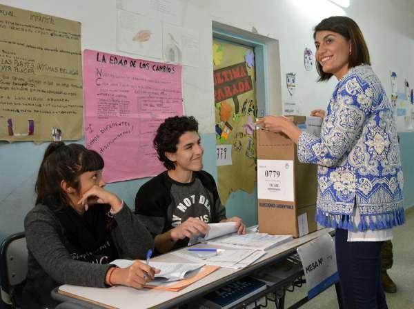 Gisela Zamora votó en Benavídez