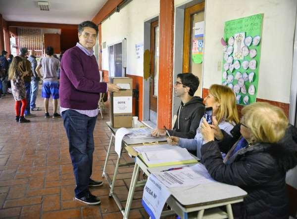 Jorge Macri votó esta mañana en Olivos