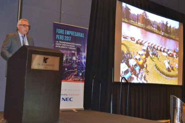 El intendente Julio Zamora participó de un foro internacional realizado en Perú. Frente a un auditorio integrado por más de 100 funcionarios y hombres de negocios, disertó sobre el exitoso programa de protección ciudadana implementado en Tigre.