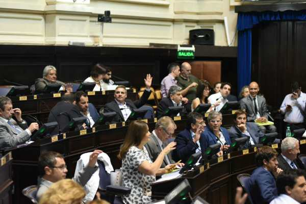 Los diputados enrolados en el bloque de Sergio Massa en la Provincia de Buenos Aires expresaron su rechazo al incremento en el impuesto inmobiliario urbano que, en determinados casos, llegarán con aumentos que llegan al 75%.
