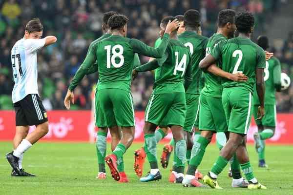 Argentina tropezó feo ante Nigeria y luego de ir ganando 2-0 perdió 4-2