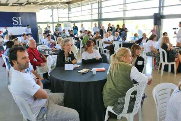 150 vecinos de San Isidro trabajaron con funcionarios y presentaron proyectos