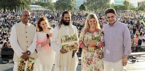 Una nueva edición de América Medita reunió a miles de personas en la Costa de Vicente López