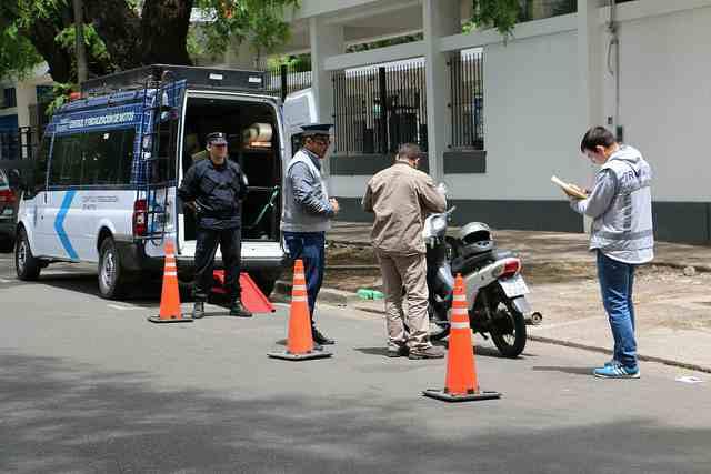 Realizan operativos para controlar motos mal estacionadas en San Isidro
