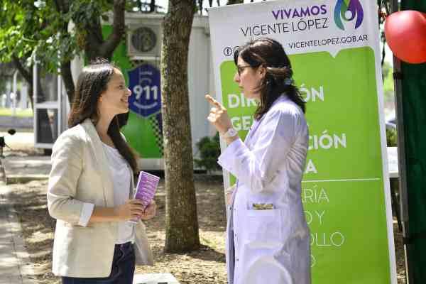 Soledad Martínez visitó un puesto de testeo de prevención del VIH en Vicente López