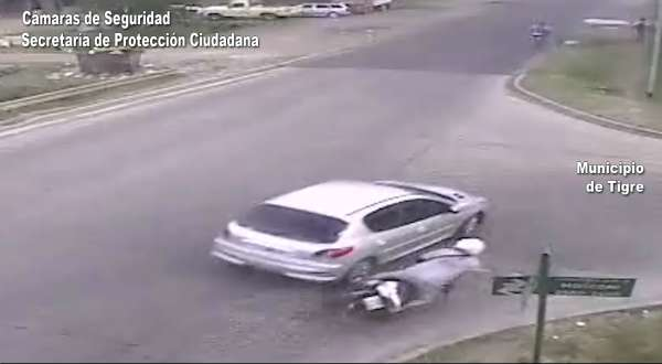 Chocó una moto e intentó un frustrado escape en Tigre
