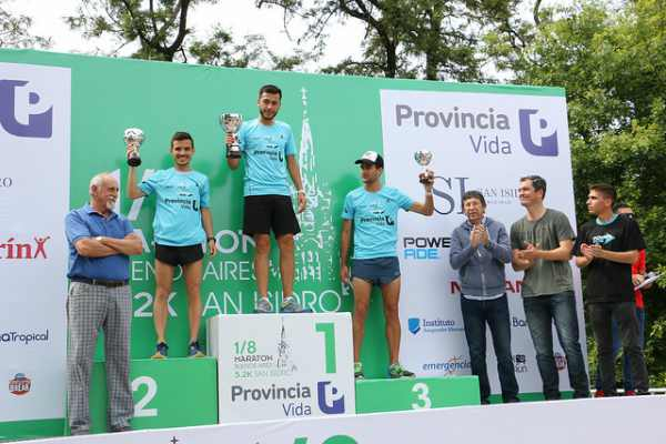 La 1/8 maratón de Buenos Aires atravesó el circuito aeróbico de San Isidro, con  largada y llegada en Italia y Av. de la Unidad Nacional. El intendente Gustavo Posse entregó los premios a los ganadores.