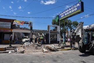 Tres locales de Pilar fueron destruidos tras una explosión por acumulación de gas