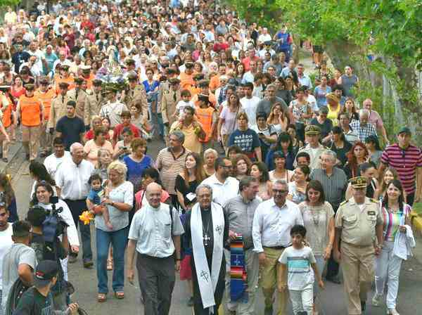 Multitudinario festejo en Tigre por el Día de la Virgen