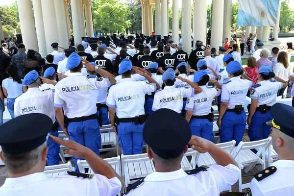 Tigre distinguió la labor de la Policía en su día