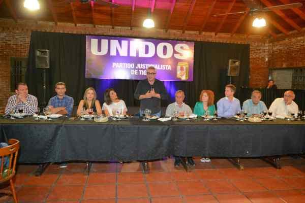 """Julio Zamora: """"El abrazo y la unidad del Peronismo construirán una Argentina más justa para todos"""""""