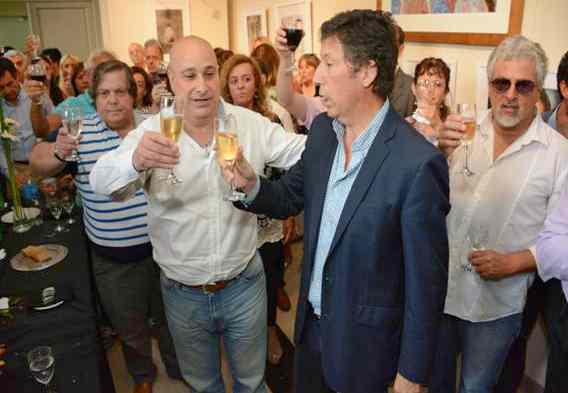 Posse y Castellano desearon felices fiestas en familia y en paz