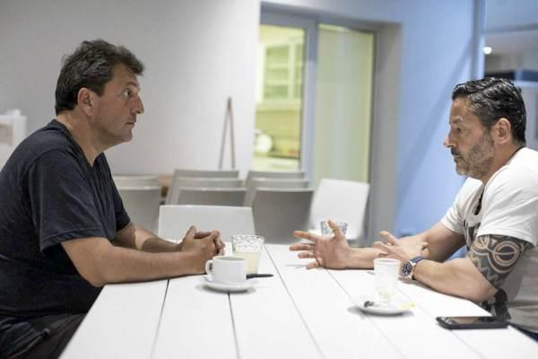 El presidente del PJ bonaerense mantuvo un encuentro con Massa.