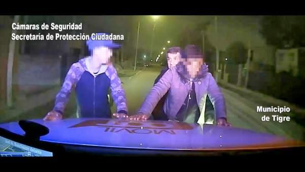 El COT detuvo a dos individuos luego de robarse un televisor.