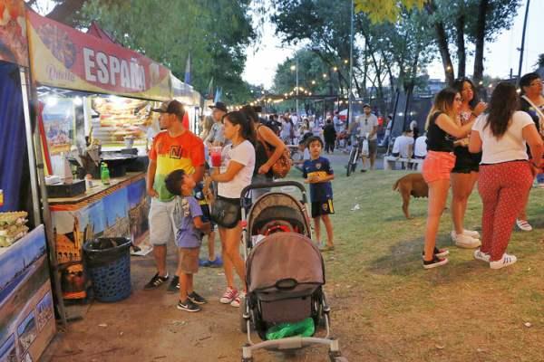 """Ferias Urbanas del Pilar"" deslumbra Del Viso."