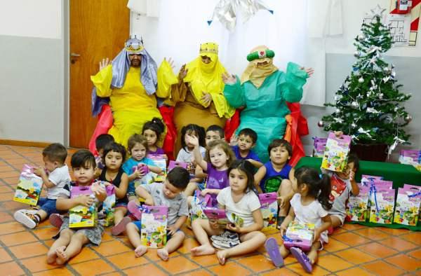 Los Reyes Magos visitaron las Unidades de Desarrollo Infantil de San Fernando.
