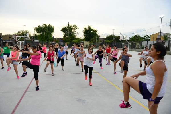 San Fernando: Zumba, Ritmos Latinos y Aquagym en los polideportivos.